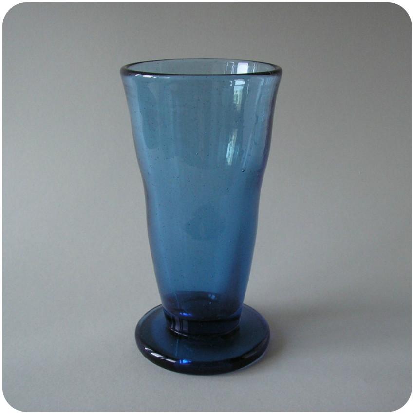 2560d edvin ollers kosta blue glass vase 1917 boas. Black Bedroom Furniture Sets. Home Design Ideas