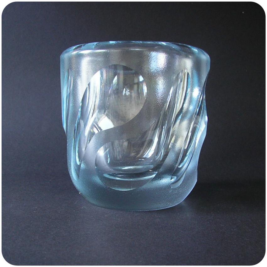 1947 vicke lindstrand orrefors sweden vase in frosted. Black Bedroom Furniture Sets. Home Design Ideas
