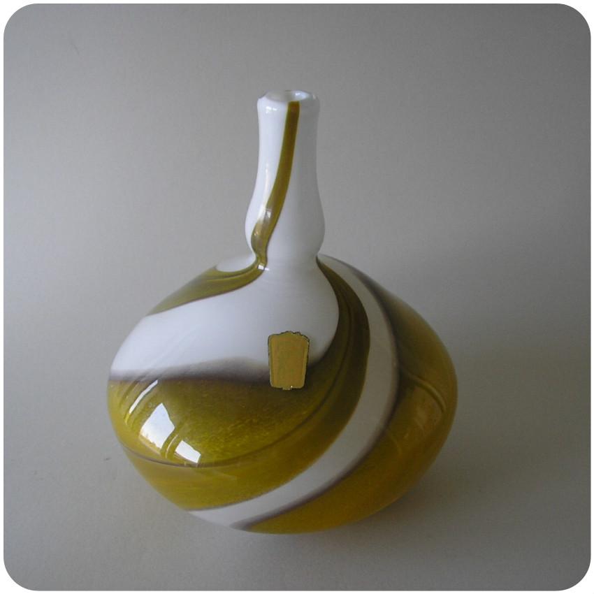 3239 bengt orup vase from johansfors glassworks around. Black Bedroom Furniture Sets. Home Design Ideas