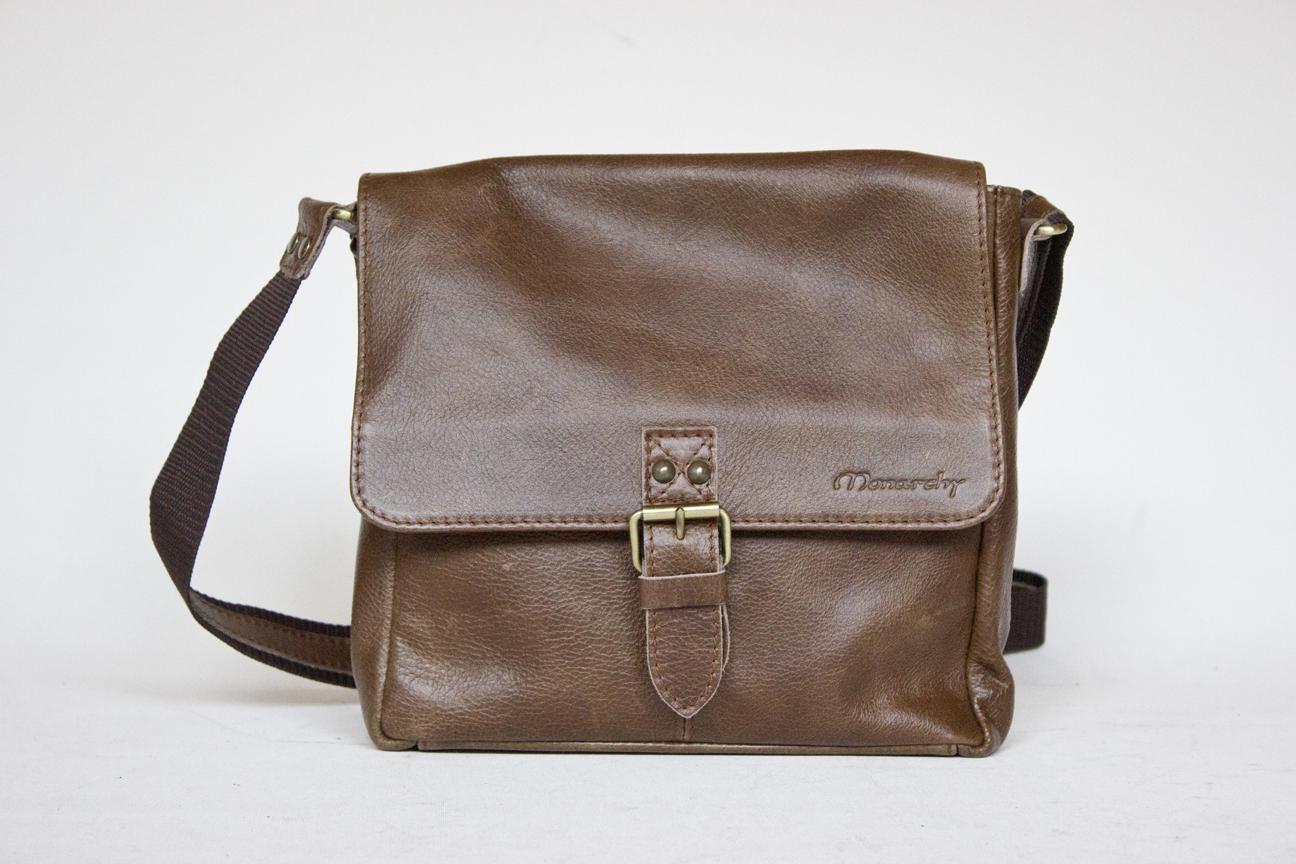 Handväska Och Handbagage : Birmingham brun portf?ljer och v?skor i skinn monarchy
