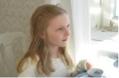 Maria. Stillbild ur videoverket Maria & Elisabet