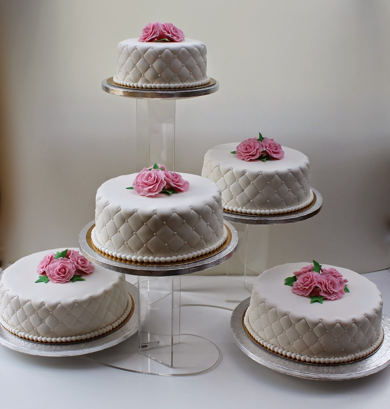 Tårtfat bröllopstårta