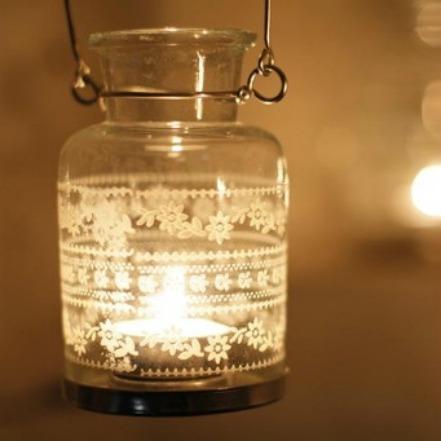 Fairtrade ljuslykta i återvunnet glas. Foto: Medvetnapresenter.se