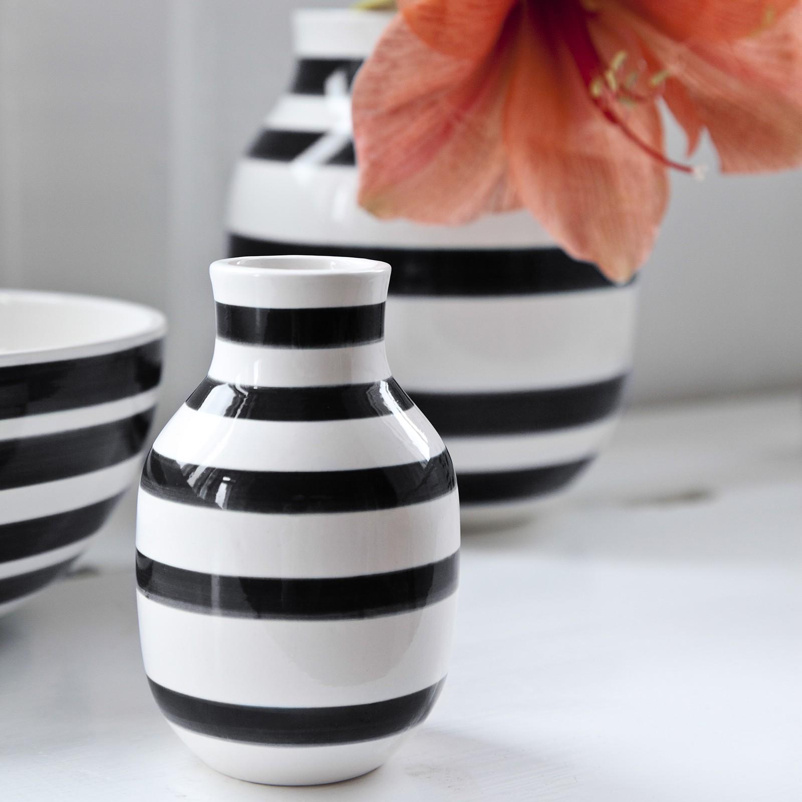 omaggio-vase-lille-sort-1_2