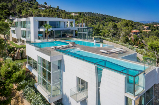 Five of spain s 15 most expensive houses are in marbella for Most expensive house in la