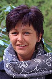 Osteopat Diana Karlsson. Jag är inte naprapat eller kiropraktor men diplomerad osteopat med praktik i Ullared, Falkenberg.