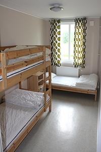 Billigt boende på Vandrarhem med bed & kitchen nära havet längs kusten & Kattegattleden mellan Varberg & Falkenberg i Halland.