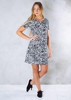 REA ByJolima Line dress zebra - Strl XL
