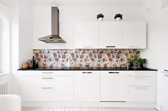 Kakeldekor Kok Svart : dekorplast kok  Koksglas Pris 490 kr kvm Glaspanel som stonkskydd