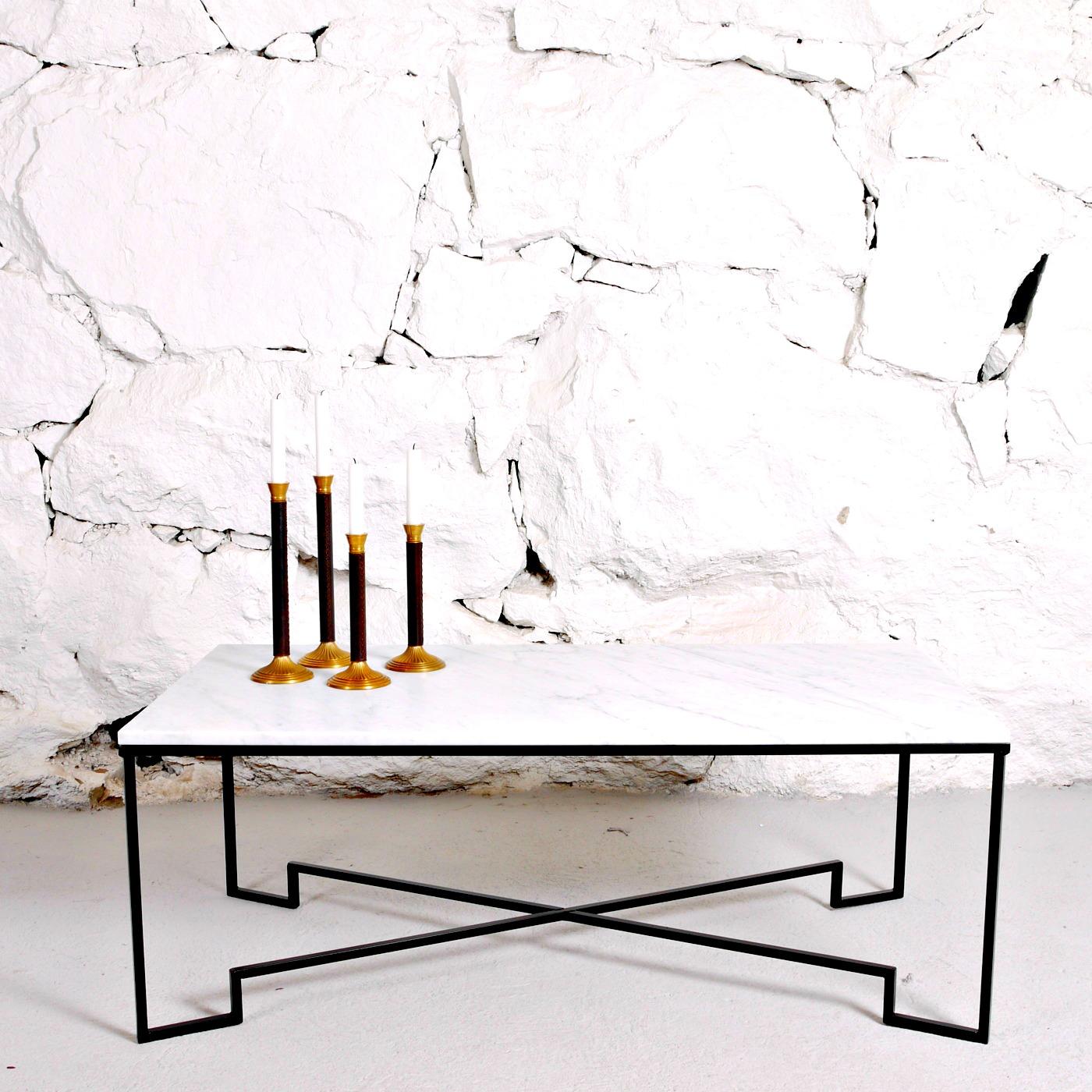 Soffbord i vit marmor, Fogelmarck Form Familjen Fogelmarck