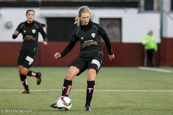 Rebecka Blomqvist gjorde två mål när KGFC F19 slog Hovås/Billdal. Foto: PER MONTINI