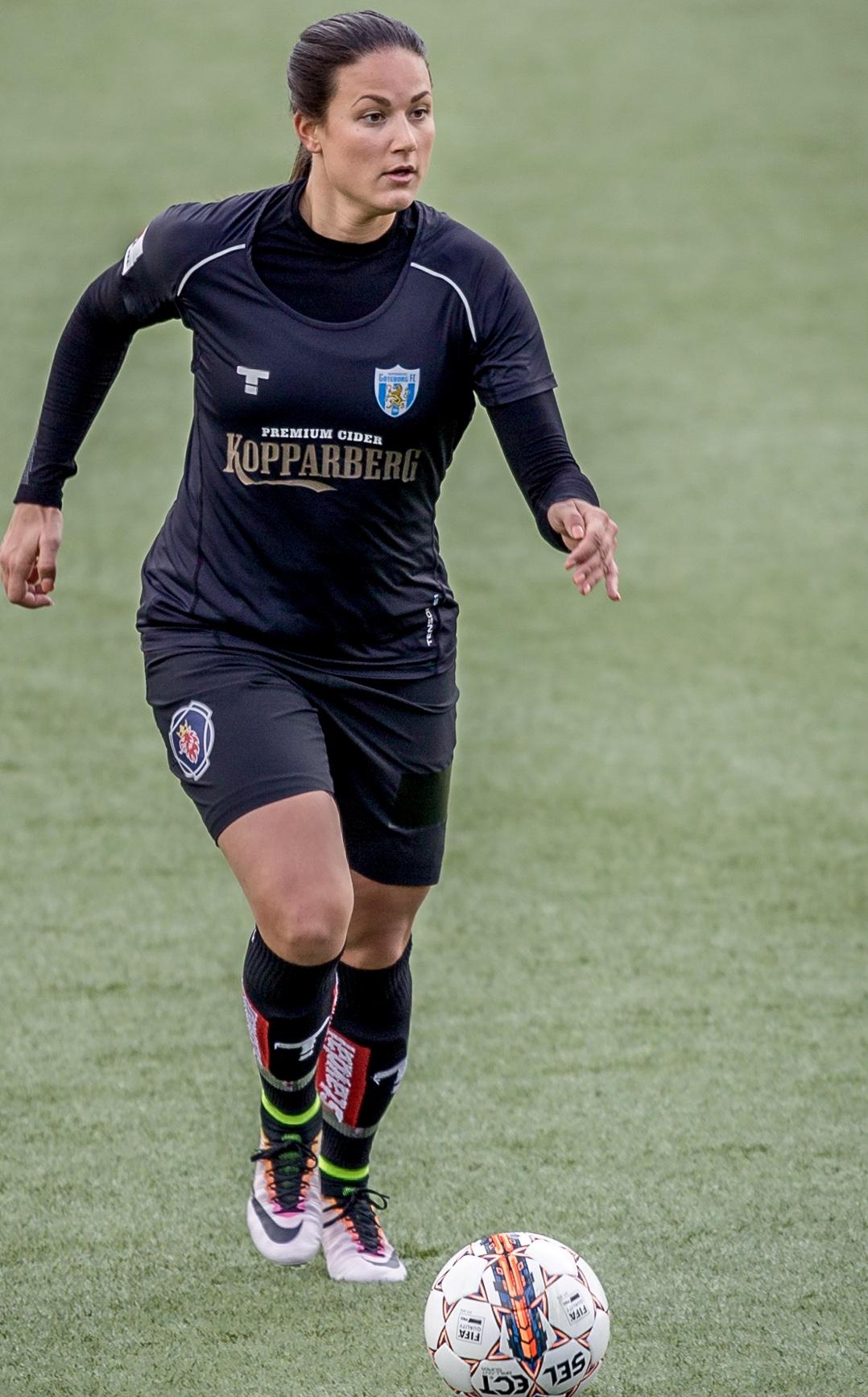 Beata Kollmats har kämpat sig tillbaka efter en svår knäskada. Nu är hon  äntligen redo 3cec43a64ffcd