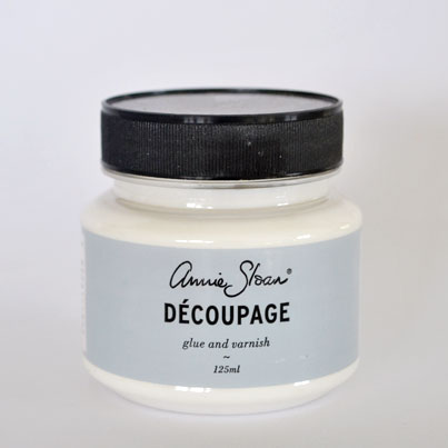 Decoupagelim för att fästa bilder och andra motiv på målade möbler