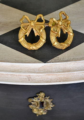 Knoppar & beslag till målade möbler