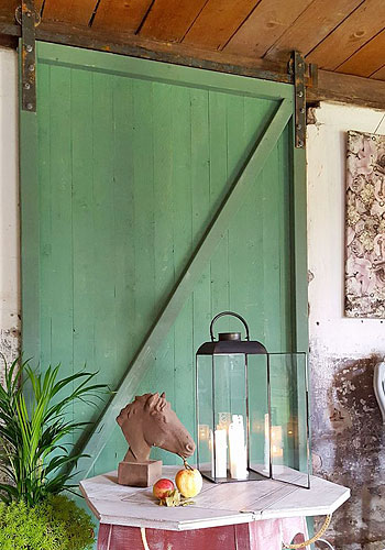 Annie Sloan Chalk Paint återförsäljare, webshop och butik med klassisk och lantligt rustik inredning.