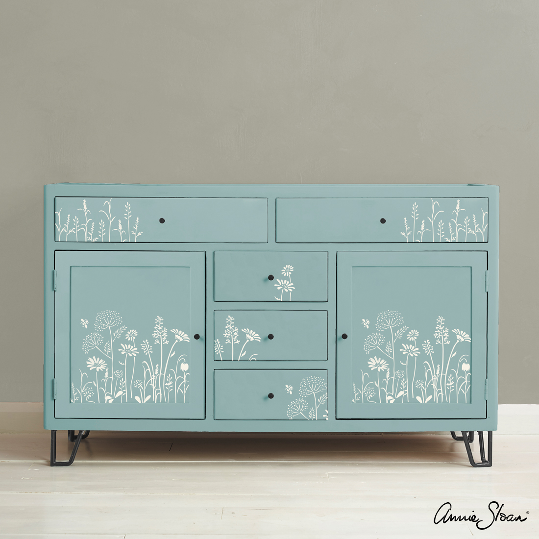 Meadow-Flowers-Stencil-Furniture-Old-White-on-Provence