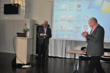 Jan Philipsson höll en mycket intressant föreläsning  i avelslära. Till höger står FNH:s ordförande Kåre Gustavsson