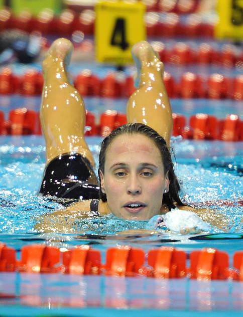 Rikke Möller Pedersen tog ett av Danmarks två guld denna afton. På 200m bröstsim. Hon kom under 2.20 men missade sitt eget världrekord,