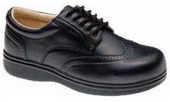 En bra sko skall ha gott om plats för tårna, vara tillräckligt bred och ha en styv sula
