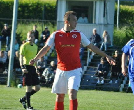 Haris Devic skulle i år tränat IFK Timrå i division 2 Norrland men efter att laget begärt sig ner i sexan revs kontraktet. Istället blir det nu spel i Ånge IF i Medelpadsfemman där han kommer att hjälpa huvudtränaren Filip Filipovic både på och utanför planen.