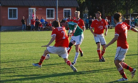 Lokalfotbollen fick inte komma in på Svartviks IP då vi inte tillhörde Sundsvalls Tidning...