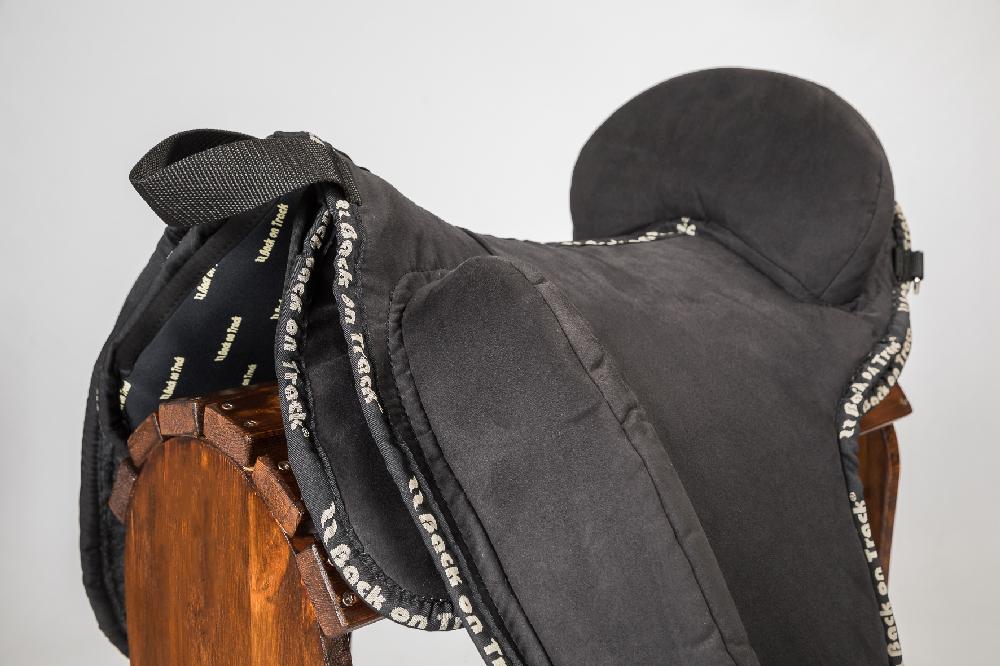 2501-Naim-barebacksaddlepad-04
