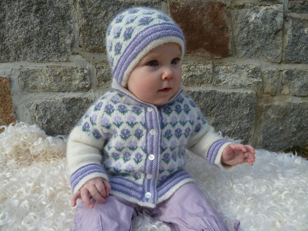 Jacka och mössa lavendel - Stickpaket