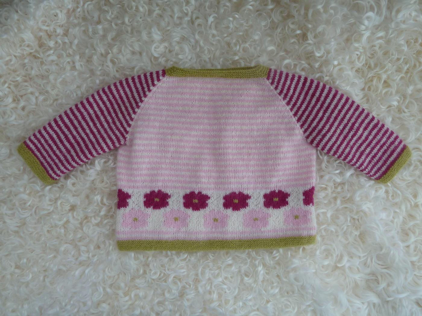 Babytröja med vresrosor 0-12 mån vit/rosa - Stickpaket