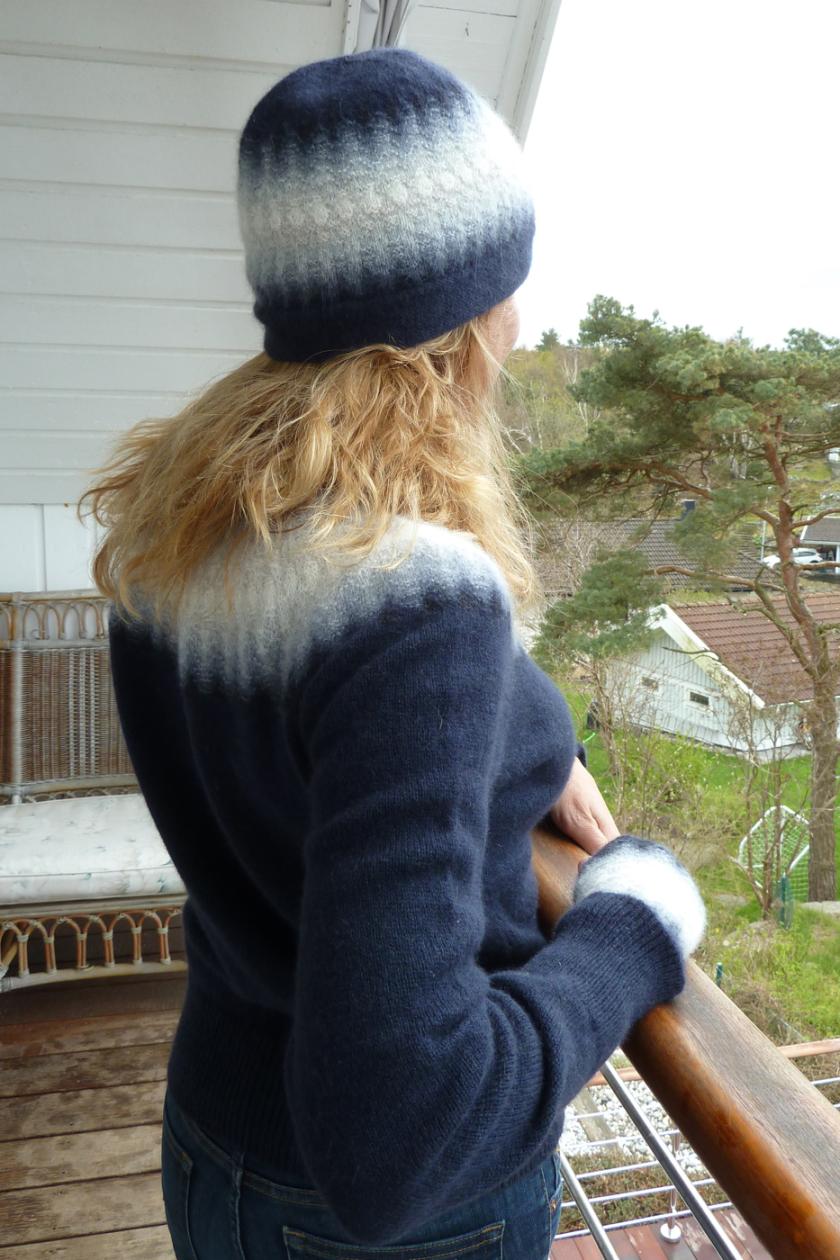 Bohus Stickning Blå Dimman pullover cardigan kit