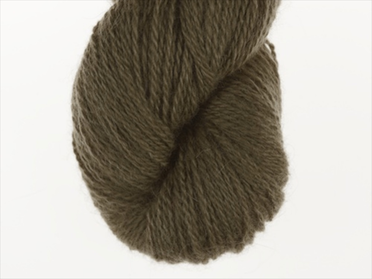 Bohus Stickning garn yarn BS 195 dark olive green main color