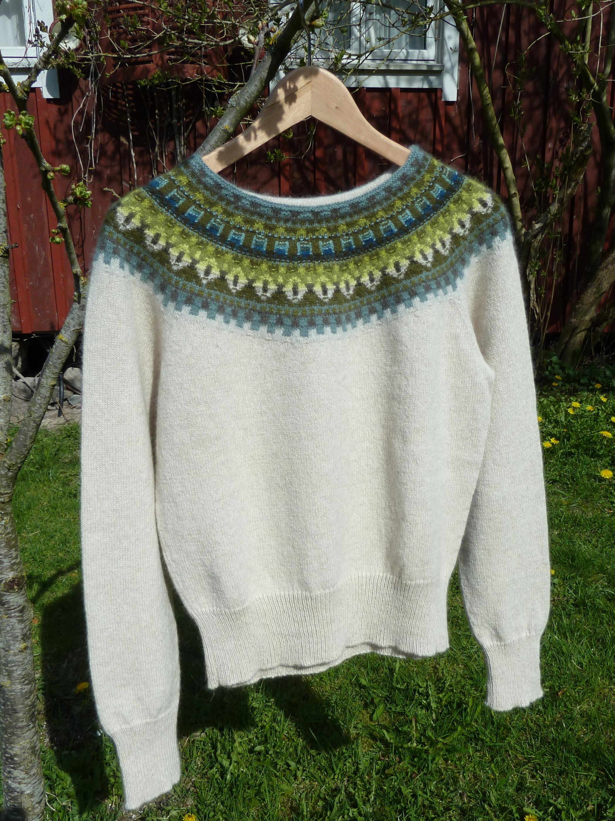 Bohus Stickning Gul Eld pullover/cardigan kit