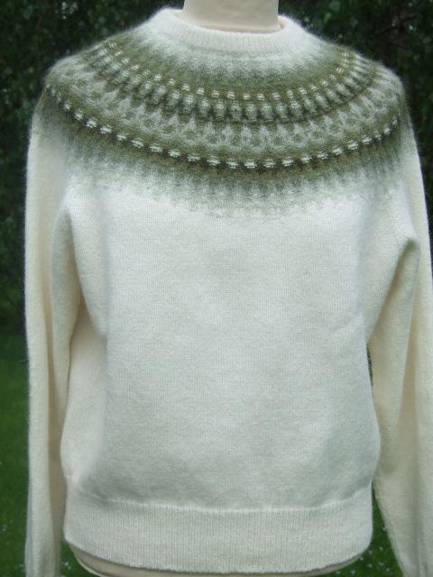 Bohus stickning Myrten Grön pullover/cardigan kit