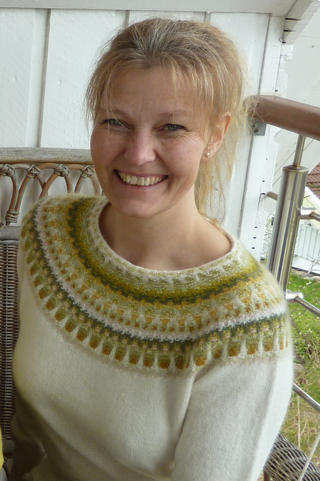 Bohus Stickning Lemon vit pullover/cardigan kit