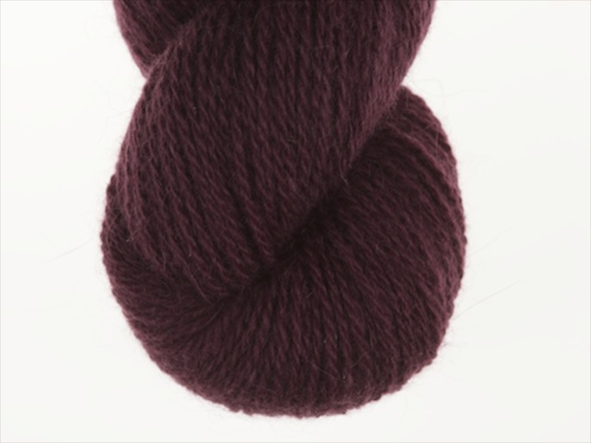 Bohus Stickning garn yarn BS 208 aubergine main color