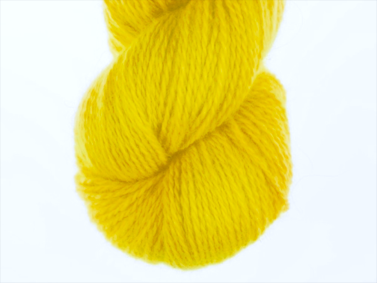 Bohus Stickning garn yarn BS 207 bright yellow