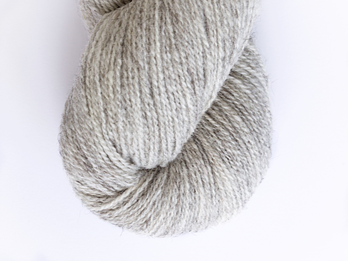 Bohus Stickning garn yarn BS 2S natural gray wool