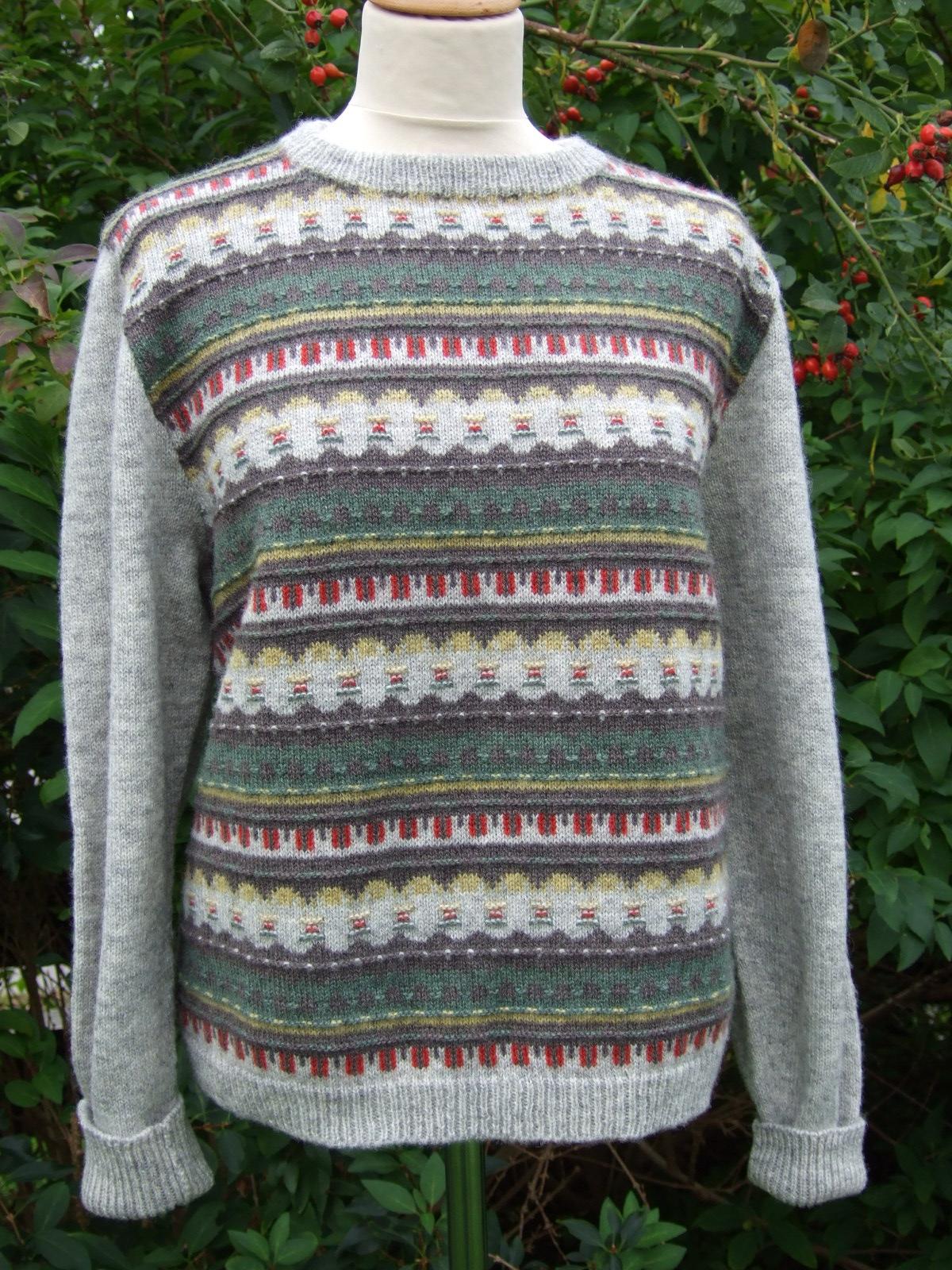 Bohus Stickning Gröna Ängen helmönstrat front jumper/kofta kit