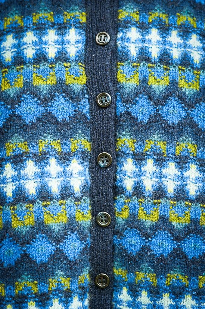 Bohus Stickning Royal Blue jumper/kofta kit, foto Karin Björk