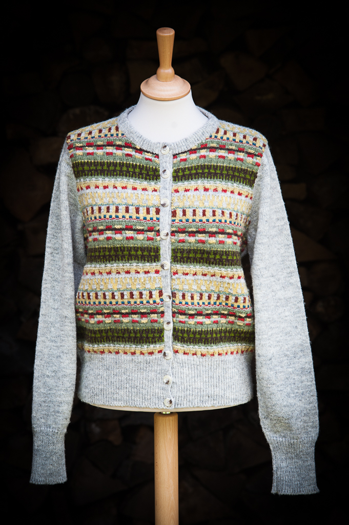Bohus Stickning Blomsterrabatten pullover cardigan, foto Karin Björk