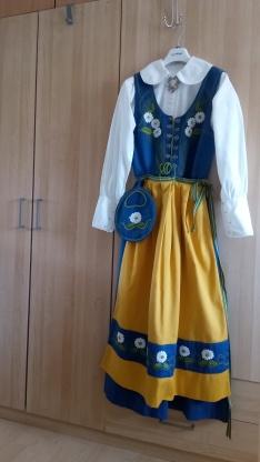 ... ska sälja sin Sverigedräkt d1c7528a18f5d