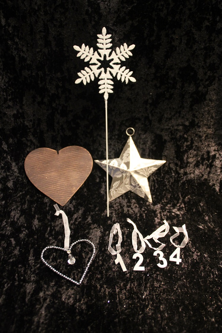 Flera julhängen och sticks