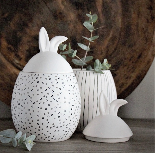 Rabbit ja r- Liten med vita lock