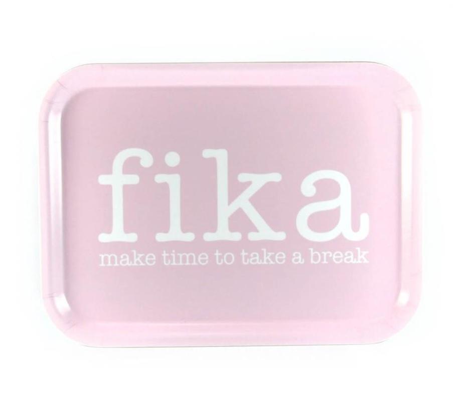 Bricka Fika - make time for a break_rosa med vit text_02