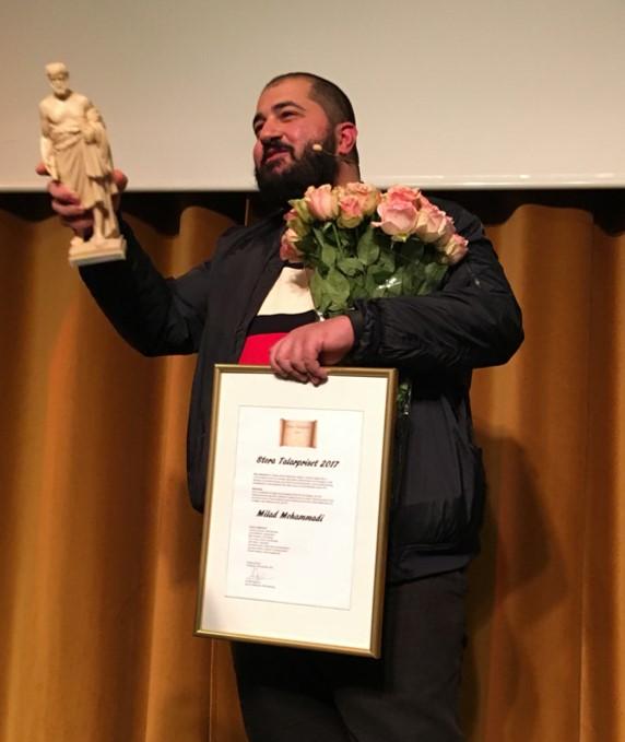 Milad Mohammadi vinnare av Stora Talarpriset 2017. Överraskas på Bryggarsalen.