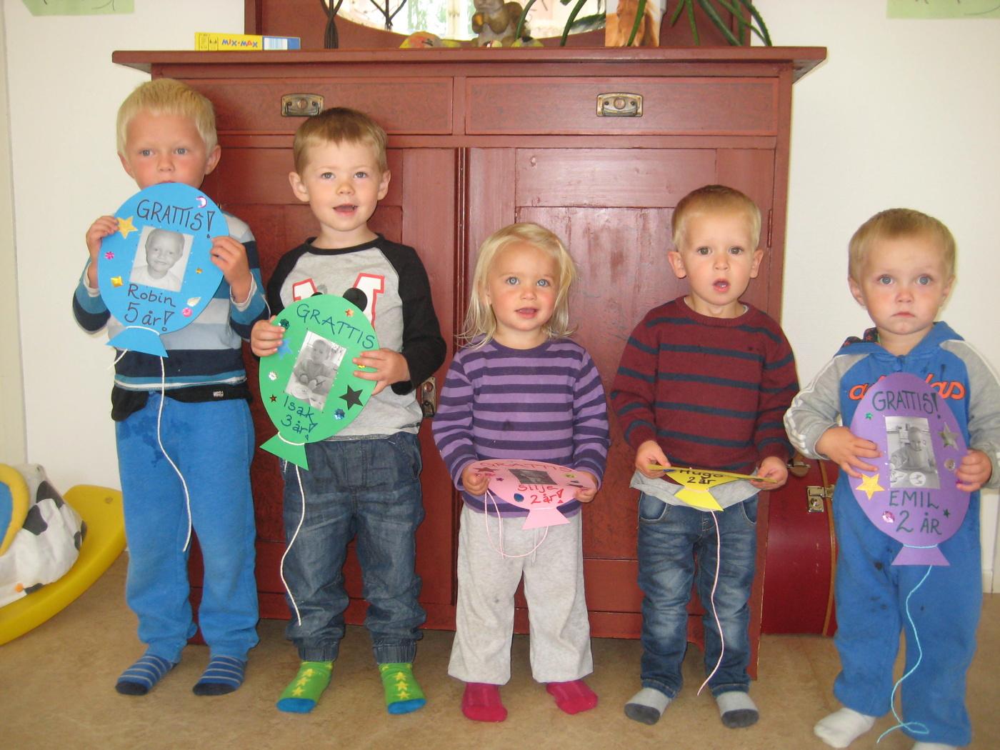 fira födelsedag på förskolan 2014 08   Blogg | Småfolk förskola i Rådom   Personalkooperativ fira födelsedag på förskolan