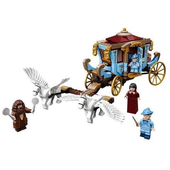 LEGO_Harry_Potter_75958_Beauxbatons_Vagn_Ankomsten_till_Hogwarts