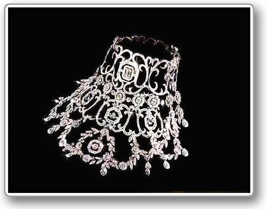 Diamanthalsband m. skugga 2