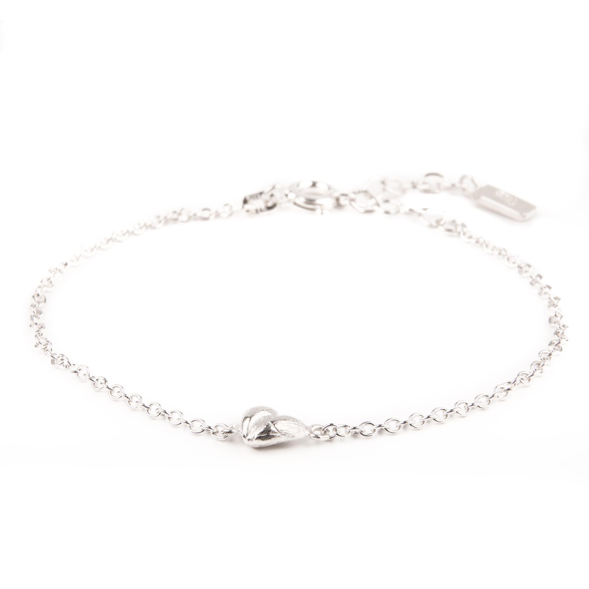 silverarmband med hjärta