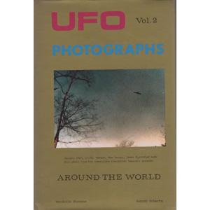 Stevens, Wendelle C. & August Roberts: UFO photographs around the world. Vol. 2