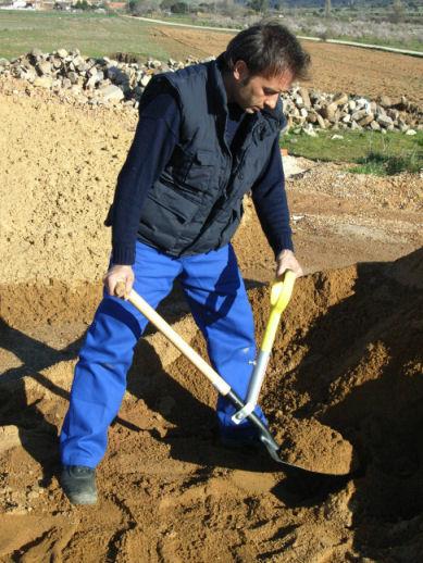 supermang handtaget till spade för att gräva i t.ex din trädgård